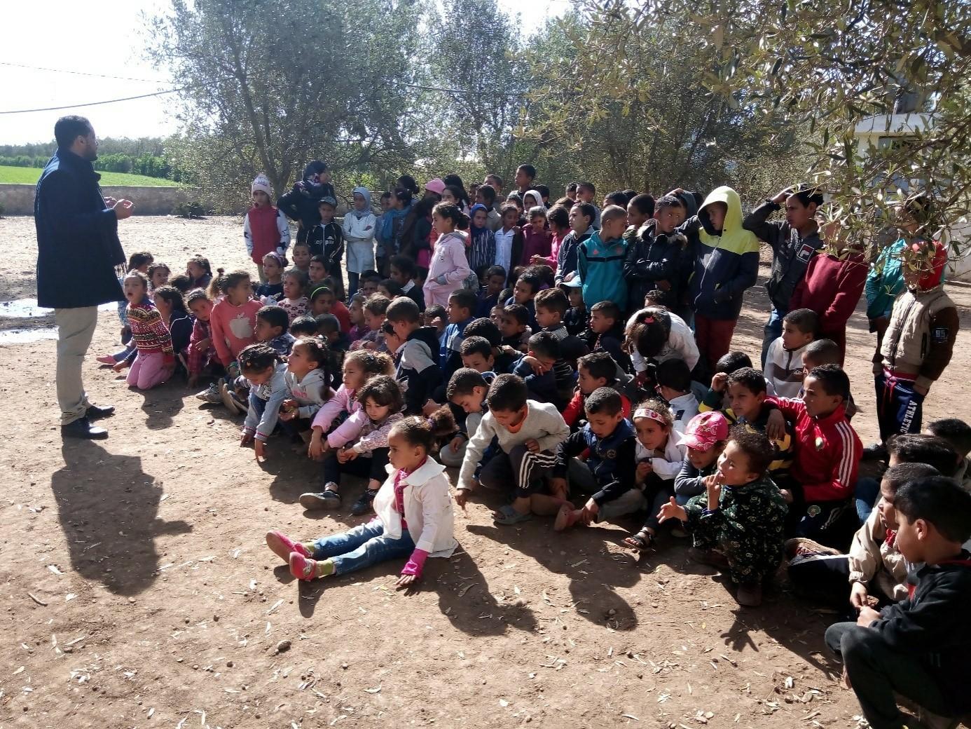 نشاط بيئي نظمته مؤسسة الأطلس الكبير بمجموعة مدارس اولاد الطبيب جماعة أولاد صباح إقليم برشيد